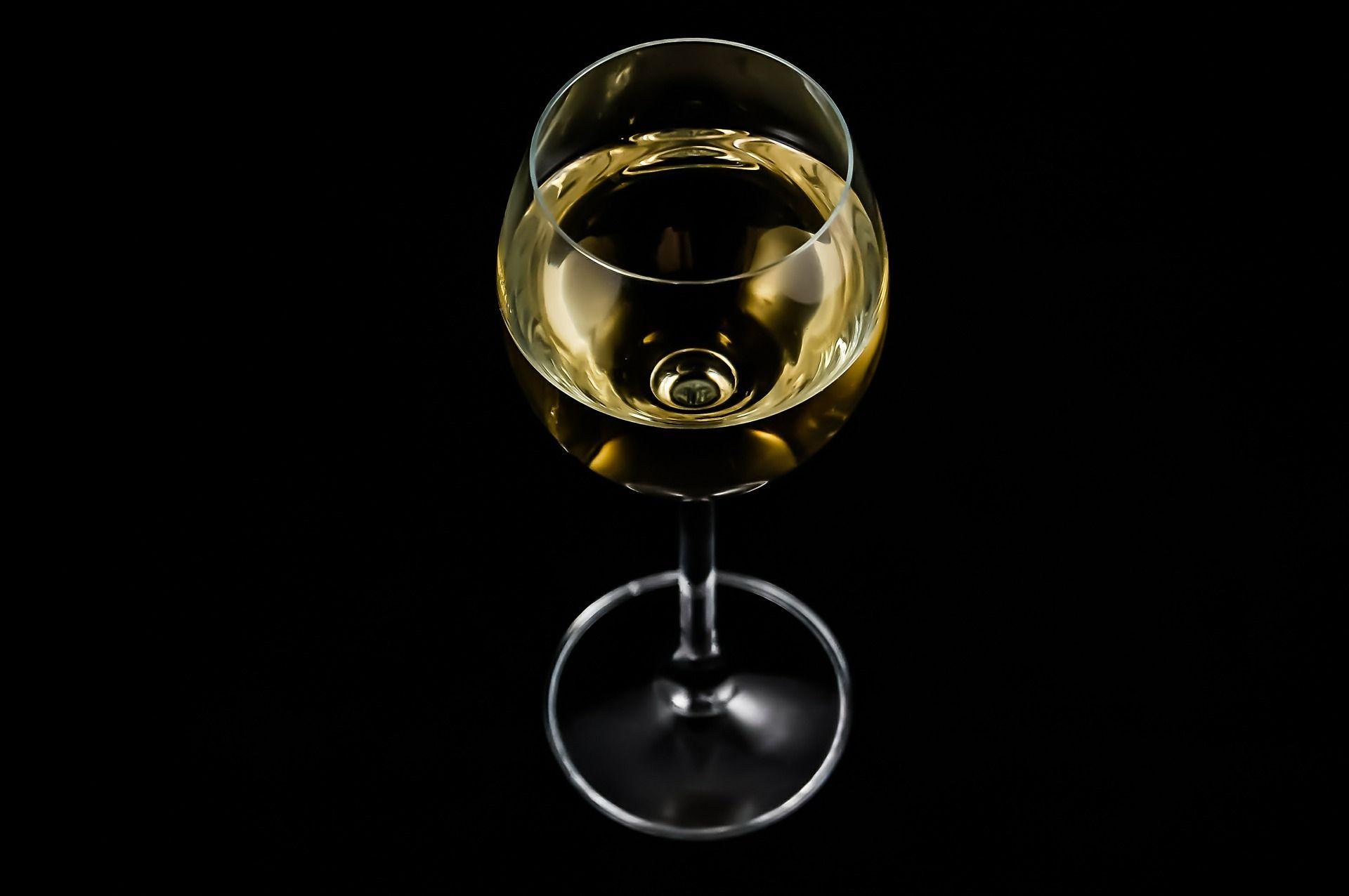 Combien de calories compte-t-on dans un verre de vin ?